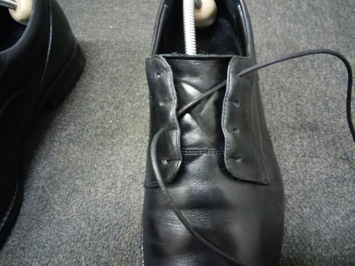 靴紐の通し方 左足②
