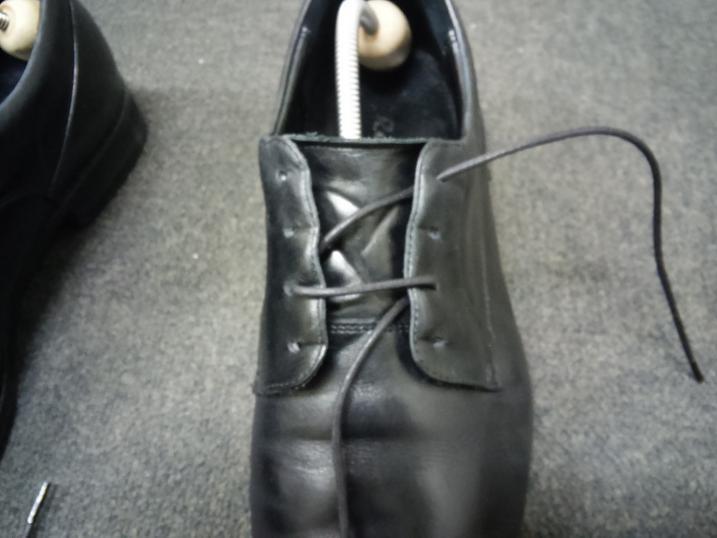 靴紐の通し方 左足③