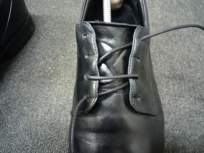 靴紐の通し方 左足④