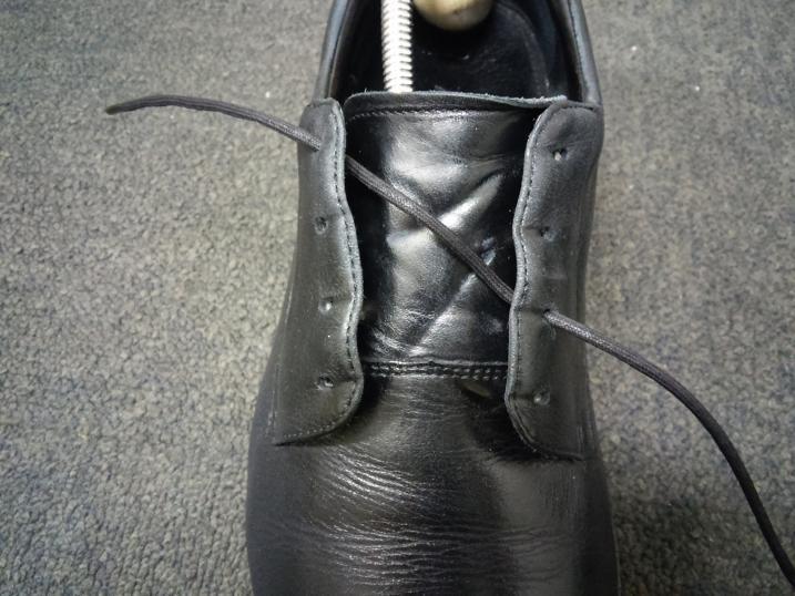 靴紐の通し方 右足2