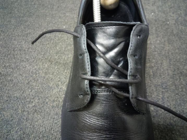 靴紐の通し方 右足4