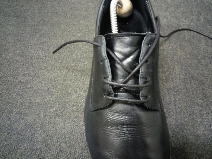 靴紐の通し方 右足5