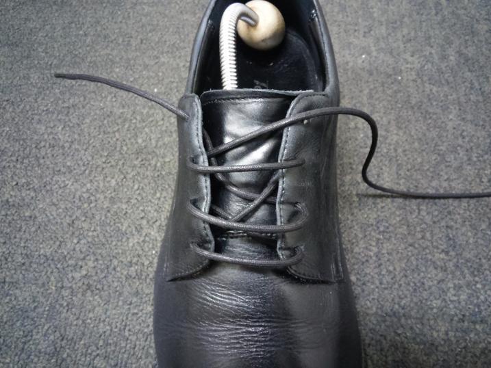 靴紐の通し方 右足7