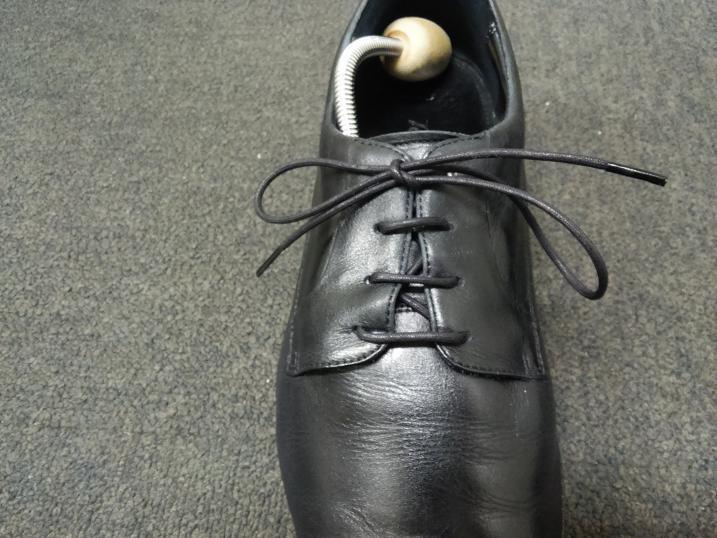 靴紐の通し方 右足8