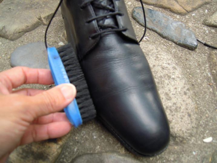 ランウォークと靴ブラシ