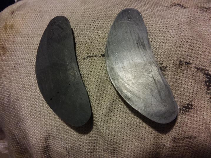ランウォークかかと修理ゴムをヤスリで磨く前