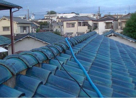 屋根の上に付けたスプリンクラー