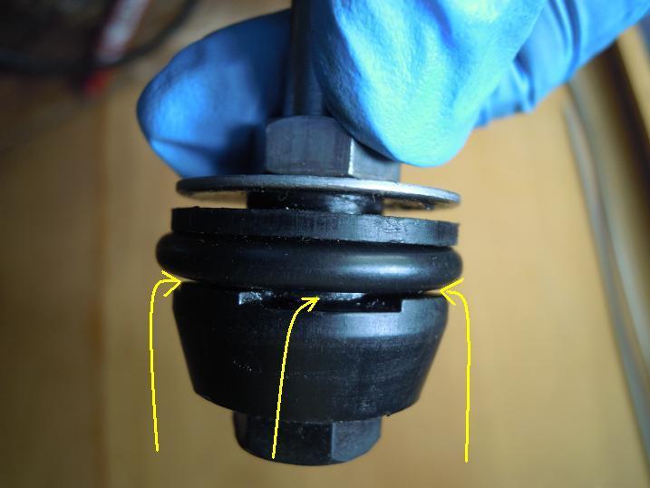 自転車空気入れポンプパッキンの仕組みレバーを押すときの空気の流れ